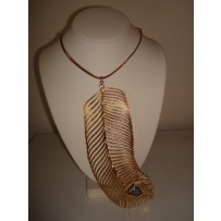 AMIE LARGE FEATHER NECKLACE