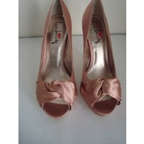 Luchiny Blush Peep Toe Heel w/ Tie Bow