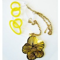 SIXTIES FLOWER NECKLACE